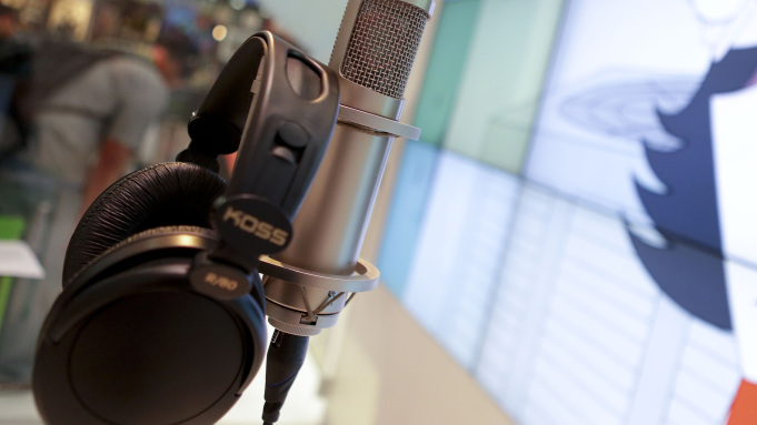 7 Reasons to hire a Professional Voice-Over Artist